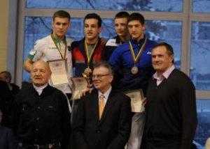 Lietuvos laisvųjų imtynių čempionate KTU studentai iškovojo sidabro ir bronzos medalius